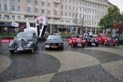 Mercedes-Benz, BMW