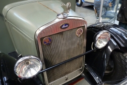Škoda 104