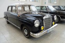 Mercedes-Benz W121 190B Ponton