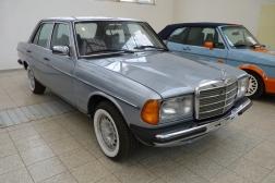 Mercedes-Benz W123 200D