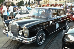 Mercedes-Benz 230 S W111