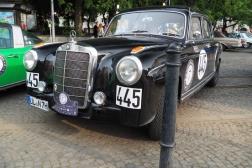 Mercedes-Benz 220 A