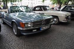 Mercedes-Benz 500 W107