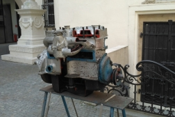 motor z autobusu Praga RND