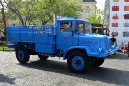 Tatra 128
